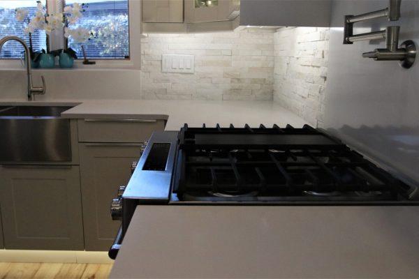 White Stacked Stone Kitchen Backsplash