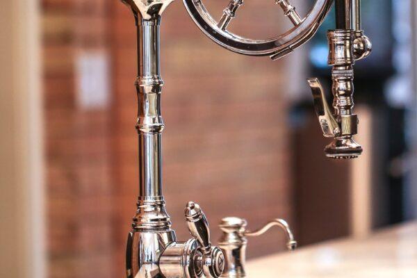 Waterstone-Wheel-Faucet-011_wu